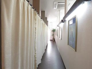 施術室に続く回廊